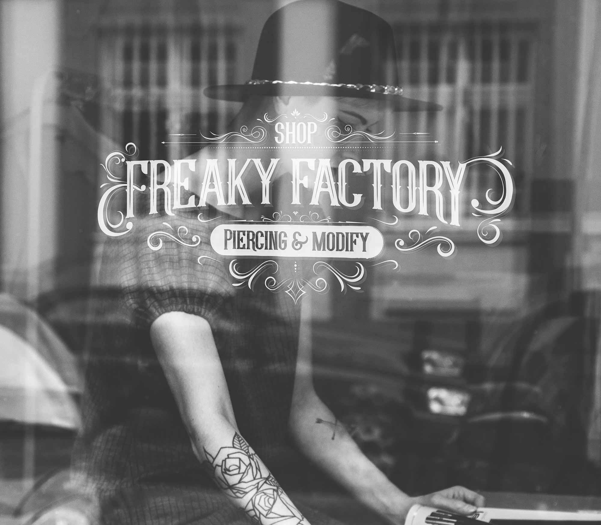 ikadia_freaky-factory_fond.jpg